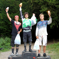 AH423_sep_5_podiums 717-09-42