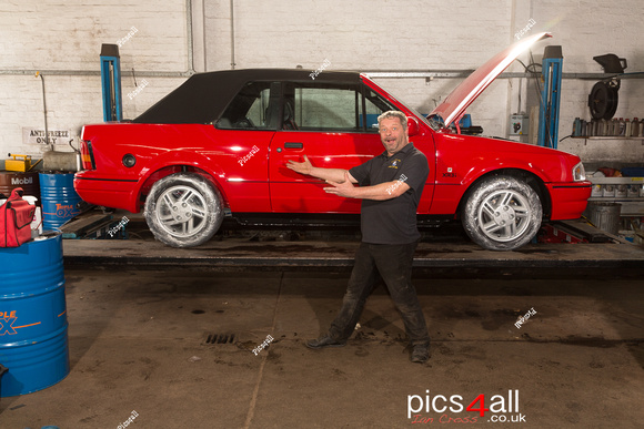 Team_Mike_XR3i_Prep-3.jpg